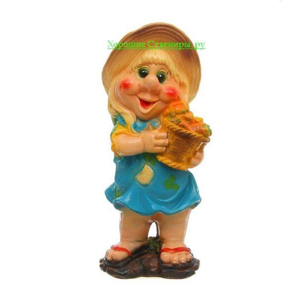 Гном девочка с корзиной малая