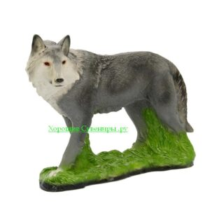 Волк стоя на траве
