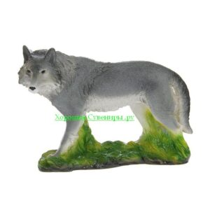 Волк стоя на траве - полистоун